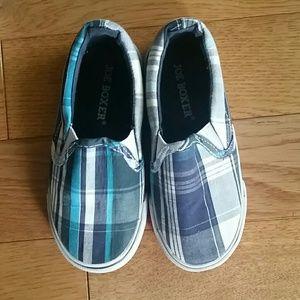 Joe Boxer slip-on shoes